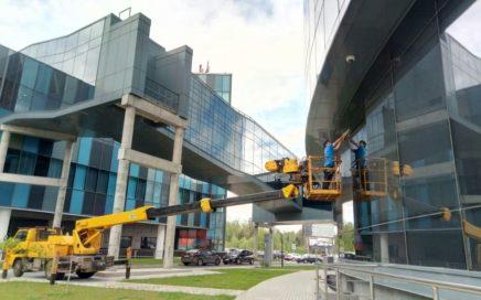 Тонировка зданий в Москве